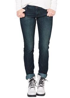 Jeans Extra weiche Denim mit Sitzfalten-Effekten hinten und vorn. Zwei Eingrifftaschen und doppelte Gesäßtaschen als modisches Detail. Figurbetonte Passform Tube mit normaler Bundhöhe und schmalem Beinverlauf für länger und schlanker wirkende Beine. Denim aus weichem, elastischem Baumwollmix. Die doppelten Gesäßtaschen sorgen für einen optisch runderen Po..  Materialzusammensetzung:Obermaterial...