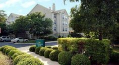 Homewood Suites by Hilton Austin-Arboretum/Northwest Austin This all-suite Austin, Texas hotel is surrounded by many points of interest as well as several corporate offices, and offers spacious accommodations, complete with full kitchens and modern amenities.