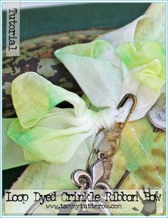 Loop Dyed Crinkle Ribbon Bow Tutorial by Tammy Tutterow | www.tammytutterow.com