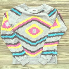 Aztec Sweatshirt Such a cute crew neck sweatshirt. Lightweight so it's versatile for the whole year. | No trades, no PayPal, no holds & all negotiations through the offer button, please ❤️ Forever 21 Tops Sweatshirts & Hoodies
