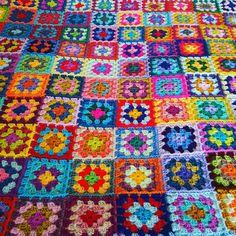 Retro Granny Squares BLANKET Afghan Crocheted Sofa Throw
