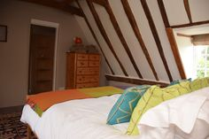 Master Bedroom King size bed and wonderful Egyptian linen with cloud like feather duvet - Keep Cottage Orford Suffolk