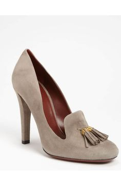 Shop Women's Gucci Stilettos and high heels on Lyst. Track over 323 Gucci Stilettos and high heels for stock and sale updates. Fancy Shoes, Cute Shoes, Me Too Shoes, Stilettos, Pumps, Discount Designer Shoes, Shoe Show, Dream Shoes, Gucci Shoes