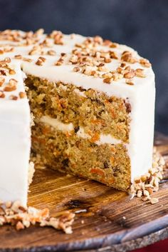 A moist and delicious Homemade Carrot Cake. A simple traditional Cake, with a creamy Cream Cheese Frosting. Homemade Carrot Cake This is one of my favourite Cakes, and I can& wait to share it with Homemade Carrot Cake, Best Carrot Cake, Simple Carrot Cake Recipe, Carrot Cake Cupcakes, Cupcake Cakes, Carrot Cakes, Tea Cakes, Easy Desserts, Clean Eating Tips
