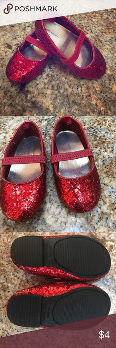 """Ruby slippers ❣️BUNDLE ONLY ITEM❣️ Your little lady can follow the yellow brick road with her own ruby slippers. Fair used condition with wear showing on the red trimming. ❣️due to its incredible low price this item must be bundled with at least one other item. It can be added to another """"bundle only"""" item or items❣️ Faded Glory Shoes Baby & Walker"""