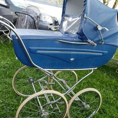 Baby Prams, Baby Carriage, Baby Things, Kids And Parenting, Baby Strollers, Retro, Children, Vintage, Antique Cars