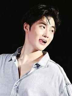 Suho - 160930 Exoplanet - The EXO'rDium in Hangzhou Credit: Ripstick. Korean Boy, Exo Korean, Baekhyun Chanyeol, Sehun Hot, K Pop, Kim Joon Myeon, Exo Official, Kim Minseok, Xiuchen