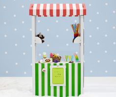 New things for kids at IKEA for Spring Cardboard play stand. Stocked with felt fruit and veggies Kids Corner, Cardboard Furniture, Kids Furniture, Furniture Market, Cardboard Play, Kids Market, Play Market, Activities For Kids, Crafts For Kids