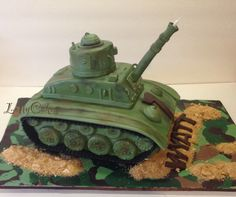 Army Tank Cake Army Tank Cake, Army Cake, Cookie Decorating, Decorating Tips, Army's Birthday, Army Party, Le Chef, Panzer, How To Make Cake