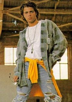 Tying your sweatshirt around your waist in case you get cold, but then wearing a long-sleeve flannel regardless. | 33 '90s Trends That, In Retrospect, Maybe Weren't Such A Great Idea