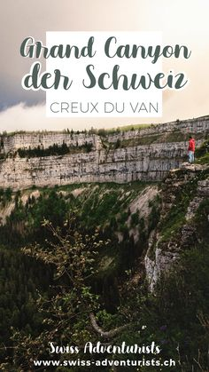 Ein Tagesausflug zum Creux du Van ist das perfekte Programm für einen sonnigen, nicht zu heissen Sommertag. Der Creux du Van ist ein riesiger Talkessel von über einem Kilometer Durchmesser, der besonders durch seine über 160m hohen Steilwände eine absolut atemberaubende Kulisse bietet! #schweiz #Tagesausflug #Schweizerausflugsziel #Tagesausflug Grand Canyon, Vans, Movie Posters, Movies, One Day Trip, Road Trip Destinations, Switzerland, Film Poster, Films