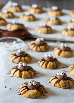 Chocolate Peanut Butter Spider Cookies that are creepy and delightful. (Via @spicyperspectiv)