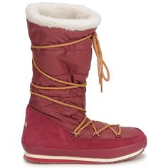 Rubberduck Arctic Snowjogger 7 High Boot. Featuring a quilted upper with warm lining and contrast tie and water resistant. #shoes #boots #snowboots #rubberduck #redboots #womens #winter #fashion #uk