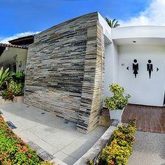 La Gran Terraza | El mejor salón de eventos en Puerto Vallarta Arquitectura Logo, Resort Plan, Spanish Wedding, Salon Ideas, Puerto Vallarta, Glamping, Ideas Para, Salons, Gallery