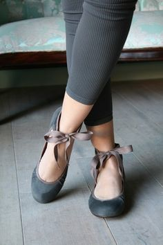 love ! Maybe a bow under my heel and tied around my ankle with the flats I already own? Not as pretty as this, but adds an extra umph to what I've got.