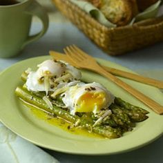Asparagus with Poached Eggs and Parmesan - High-Protein Breakfast Recipes - Health Mobile.