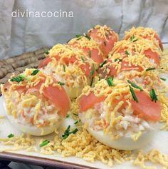 Estos huevos rellenos de salmón son muy vistosos y fáciles de preparar, quedan perfectos para días especiales y de fiesta.