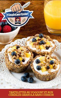 Prenez le contrôle de vos matins en visitantwww.coupdecoeurquaker.ca Ces tartelettes sont une solution savoureuse pour déguster des céréales granola et du yogourt et créer un déjeuner complet. Gardez des fonds de tarte déjà préparés au congélateur pour une préparation facile et rapide. Recette complète: http://www.quakeroats.ca/fr/recipes/tartelettes-au-yogourt-et-aux-c%C3%A9r%C3%A9ales-granola-sans-cuisson #CoupdecoeurQuaker
