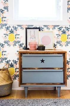 Pineapple wallpaper in a kid bedroom. Interior Design by Buk&Nola