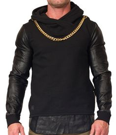 Black Kaviar features a long sleeve shirt with classic details like a hood and clean silhouette which makes it stand out. Pair this tee with some joggers or a nice pair of jeans/pants.