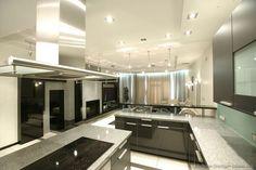 #Kitchen of the Day: Modern Black Kitchen Cabinets #22 (Kitchen-Design-Ideas.org)
