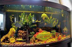 Love the background fish tanks pinterest for Bocal aquarium original
