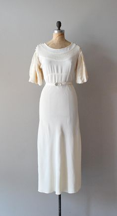 vintage 1930s Begin The Beguine dress     #vintagewedding #1930s