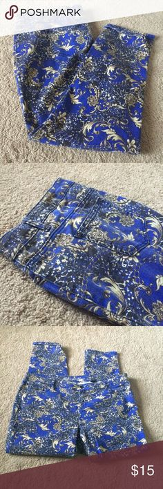 ➕Size Jeans Blue, Gold & Paisley printed style straight leg jeans. Size 22W. 5 pockets. Practically new! Plus Size  Jeans Straight Leg