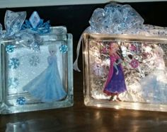 DISNEY'S FROZEN Lighted Glass Block With Elsa and Anna and Frozen Elsa Glass Bank Combo Set