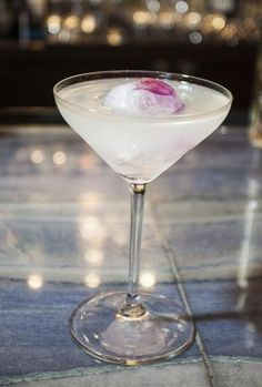 White Cosmo - St. Germain, vodka & white cran