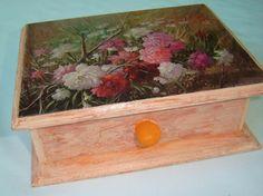 caja de madera con decoupage