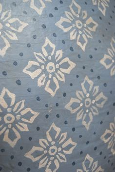 Estampado hecho a mano / Hand painted pattern