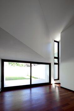 Ignacia Apartments / Gonzalo Mardones Viviani