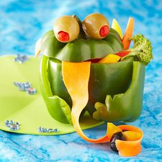 Kids won't be able to resist veggies when they're dressed up like a toad! Get the simple #snack recipe: http://www.parents.com/recipes/holidays/halloween/halloween-treats-kids-can-make/?socsrc=pmmpin092612hsVeggieToad#page=14
