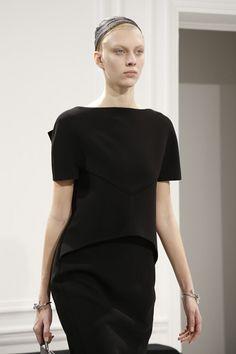Balenciaga AUTUMN/WINTER 2013-14 READY-TO-WEAR CLOSE UP