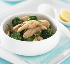 Chicken and broccoli red curry stir-fry | Healthy Food Guide