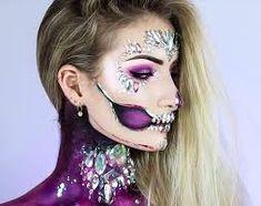 halloween makeup - Google Search Beautiful Halloween Makeup, Halloween Makeup Clown, Pretty Halloween, Halloween Costumes, Halloween Ideas, Happy Halloween, Halloween Fashion, Halloween 2020, Halloween Halloween