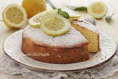 Torta al mascarpone e limone, ricetta soffice senza burro senza olio. Soffice e dal delicato sapore di limone, una torta buonissima