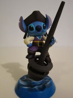 Holy crap I want this.    Disney Stitch and Lilo Figure Figurine Decoration Pen Stand New w/ Box