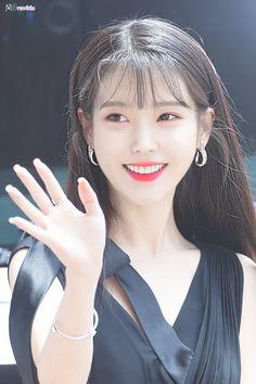"IU 190708 ""Hotel Del Luna"" Press Conference Pretty Korean Girls, Korean Beauty Girls, Asian Beauty, Kpop Girl Groups, Kpop Girls, Korean Celebrities, Celebs, Idole, Iu Fashion"