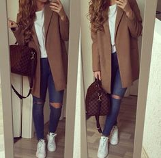 Ripped jeans, long coat and adidas' stan smiths #perfect