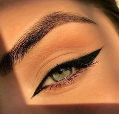 Edgy Makeup, Makeup Eye Looks, Eye Makeup Art, No Eyeliner Makeup, Cute Makeup, Skin Makeup, Makeup Inspo, Makeup Inspiration, Eyeliner Ideas