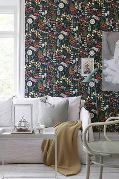 Wallpaper Ideas for the Living Room woods print wallpaper