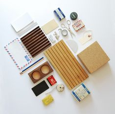 Be inspired. Personalize your desk | DunnDIY.com | #DIY #inspiration