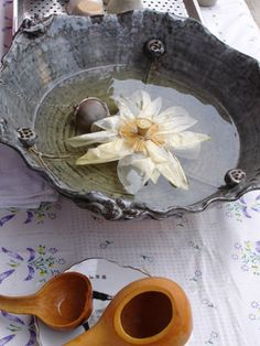 Lotus Tea for a wedding tea ceremony or for the reception Korean Tea, Asian Tea, Matcha, Lotus Tea, Flower Tea, Lotus Flower, Chai, Tea Culture, Japanese Tea Ceremony