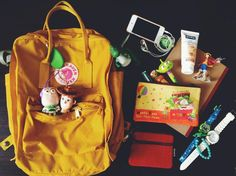 投稿《What's in your Kånken bag ?! 》徵件活動-by 陳子瑜  款式: Kånken classic溫暖黃  說明: 塞一堆自己喜歡的東西去學校啦!可愛的溫暖黃剛好配合熱情的夏天,可是這個夏天似乎太熱情...
