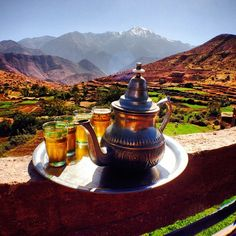 Tea & Trekking, the perfect match. Morocco and Whole Journeys