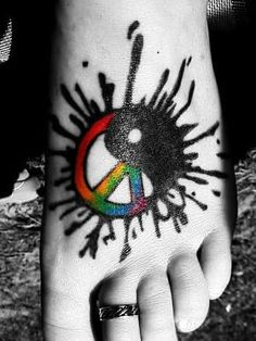 I don't like color tattoos but this is pretty dang cool