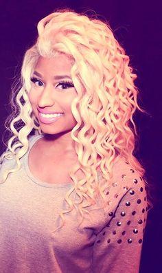 Nicki Minaj looking flawless like all ways we love you miss.Barbie forever and all ways.I love Nicki with blond hair just so beautiful_Danyale My Hairstyle, Cute Hairstyles, Nicki Minaj, Divas, Girly, Woman Crush, Pretty People, Beautiful People, Her Hair