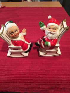 Vintage Salt and pepper Shakers Mr. and Mrs. Santa Claus